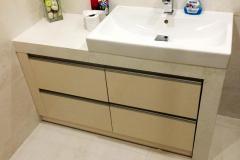 Meble łazienkowe z szufladami